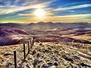 The sun sets pretty early in Scotland over the winter months. 3pm ish in December beautiful trail in the Pentlands